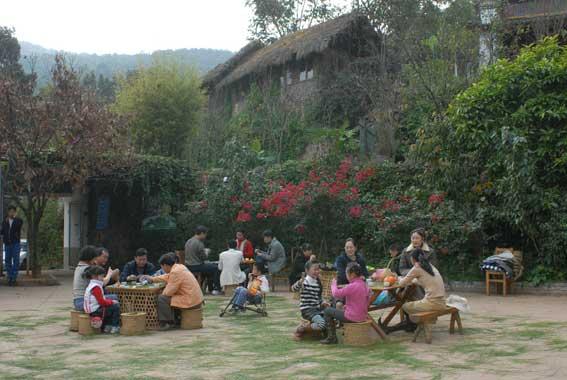 葫芦岛灵山森林公园所在的山神庙子乡同样面临农业升级转型的问题.